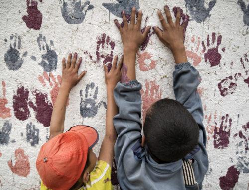 NouSol ONG pinta i decora l'escola rural de Tafza a l'Atles Mitjà, Marroc