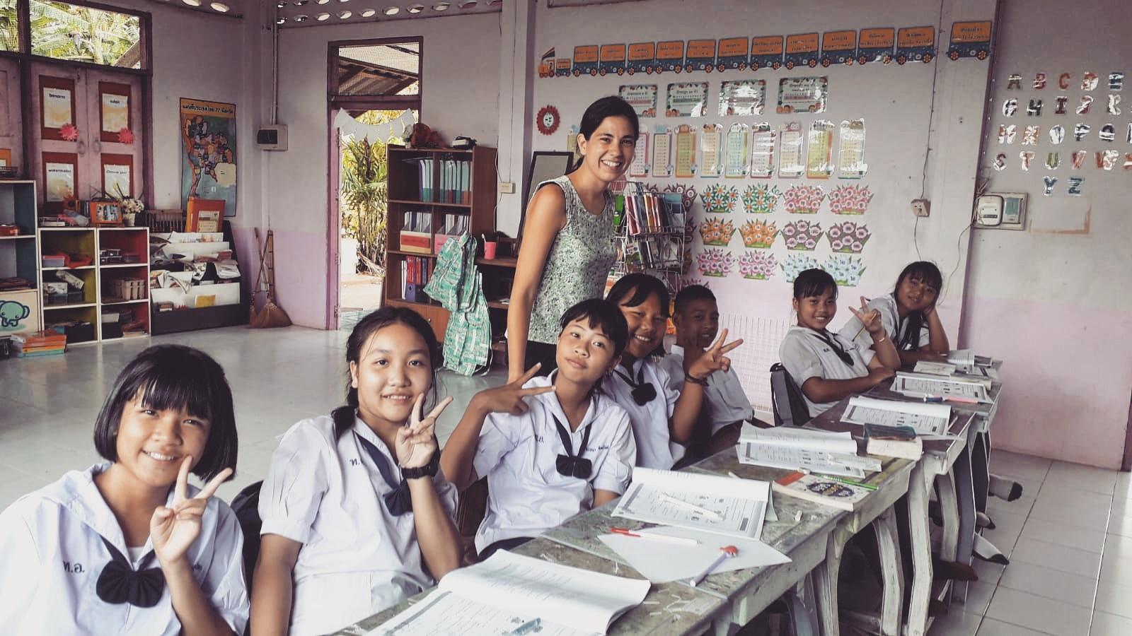 NouSol desenvolupa diferents programes per tal que infants i joves tinguin accés al dret a l'educació